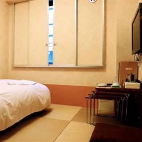 小さな畳のベッドルーム