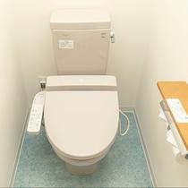 当館は快適にお過ごし頂く為【全室バス・トイレ・洗面独立型】です。洗浄機付トイレを完備しています。