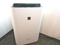 加湿機付き空気清浄機(喫煙室にてご用意)禁煙室にはご用意できておりませんご了承くださいませ。