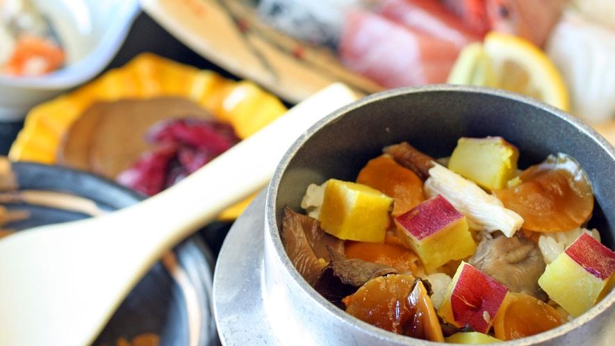 サツマイモときのこ釜飯付、季節の和食膳