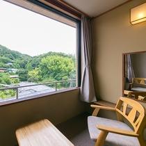 源氏山を望む和室12.5畳