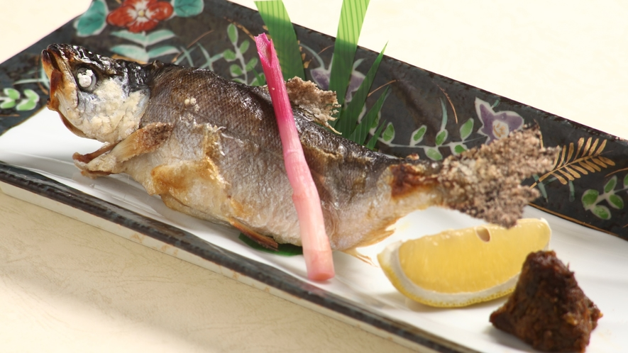 十和田湖ひめますの塩焼き