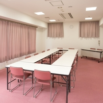 会議室あり。詳しくはスタッフまでお尋ねください