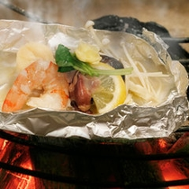 山海銀紙焼き。囲炉裏で焼いてあつあつを…。