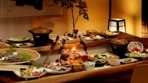 座敷席の食事風景(一例)