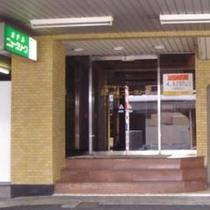 1階ホテル入口