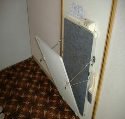 ズボンプレッサー全室に完備 ビジネスマンの必需品